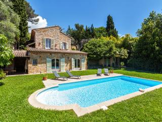 Charming Mas in Mougins - Cote d'Azur- French Riviera vacation rentals