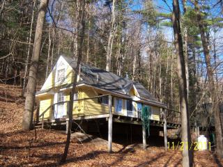 Walker Cottage on Otsego Lake,  Cooperstown, NY sleeps 4 - Cooperstown vacation rentals