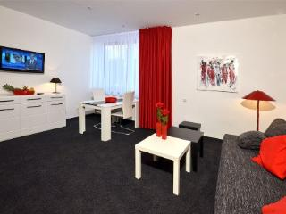 Vacation Apartment in Aalen - 269 sqft, central, modern, clean (# 4457) - Baden Wurttemberg vacation rentals