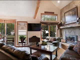 Beautiful Townhouse in Deer Lake Village - New HDTVs & Blu-Ray Players Throughout (25098) - Park City vacation rentals