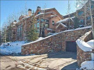Beautiful Stone & Wood Finishes Throughout - Cozy & Inviting (25242) - Utah Ski Country vacation rentals
