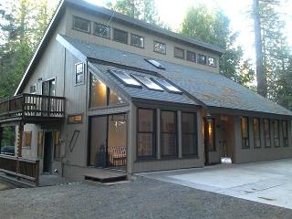 Mountain Home with a quiet location and Blue Lake Springs Access - Arnold vacation rentals