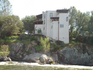 White Castle Riverfront House - Sequoia and Kings Canyon National Park vacation rentals