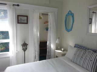 Charming  Beach Studio - Bikes Included! - Venice Beach vacation rentals