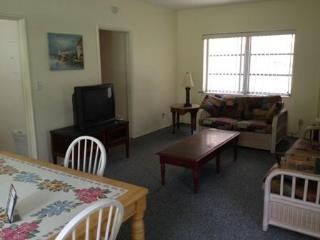 #4 Large 1 Bedroom, Slps 6, Amazing location - Fort Lauderdale vacation rentals