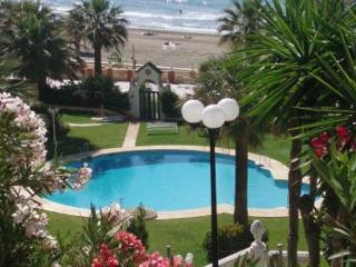 Beachfrom Benalmadena 4, 3 minutes to Port Marina, WIFI,pool, tennis - Rincon de la Victoria vacation rentals