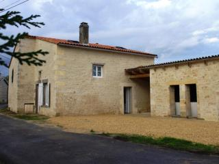 Cottage in Jonzac (West of France) - Charente-Maritime vacation rentals
