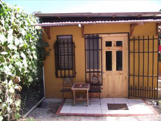 EZ TO RENT, EZ RELAXING, EZ TO FIND, HOT SPRINGS - Cartago vacation rentals