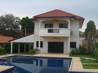 Superbly appointed 2 storey, 4 bedroom luxury villa with 16 meters Pool - Pattaya vacation rentals