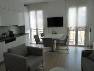 Andre Top Floor - Cannes vacation rentals