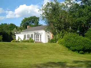 Craryville Cottage - Escape To The Country - Hudson Valley vacation rentals