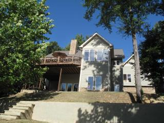 5 Bdrm Lakefront Home- Hot Tub - Sleeps 10+ - Dadeville vacation rentals