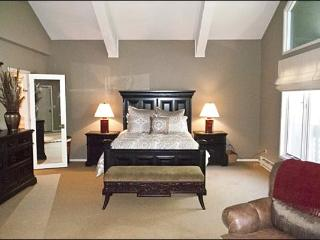Beautifully Remodeled Condo - Magnificent Mountain & Golf Course Views (1245) - Ketchum vacation rentals