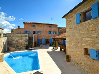 Restored old Istrian villa with heated private pool and wine cellar - Sveti Petar u Sumi vacation rentals