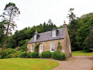 LOCHEAD COTTAGE, Ellary, Lochgilphead, Argyll, Scotland - Argyll & Stirling vacation rentals