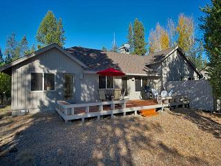 Luxurious Home with Contemporary Entertainment - Sunriver vacation rentals