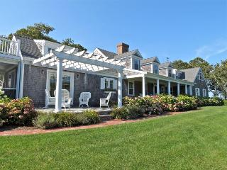 121-C Chatham Casual Elegance, Inside & Out - Brewster vacation rentals