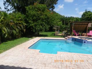 REAL MASTER SUITE FULLY FURNISHED   WOW WOW OMG - Plantation vacation rentals