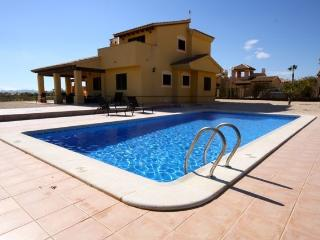 3 Bedroom Villa Hacienda Del Alamo Ref DA04 - Murcia vacation rentals