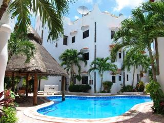 SOLE Y LUNA Apartment - Playa del Carmen vacation rentals