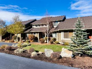 Eagle Crest Village Loop with Hot Tub - Redmond vacation rentals