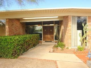 Mid-Century Masterpiece In The Tucson Foothills - Tucson vacation rentals