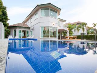 Pattaya - Wonder Villa B 4BED - Ban Bueng vacation rentals