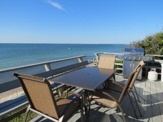 026-B Beachfront cottage, panoramic Bay views - Brewster vacation rentals