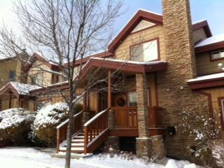Front Entrance of Townhome - Premier Ski Townhome - Close to All 3 Park City Ski Resorts! - Park City - rentals