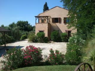 Working farm in Le Marche - Ripatransone vacation rentals