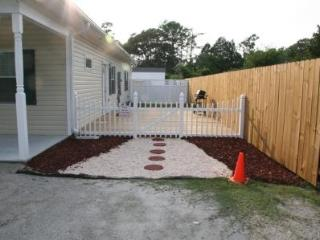 Moonlight Lake Get-away Suite - New Bern vacation rentals