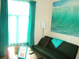 Comfortable 3 bed family home at Emirates - London vacation rentals