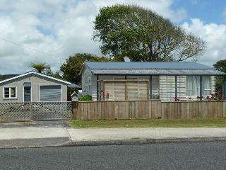 Raglan Retreat Holiday Home - Raglan vacation rentals