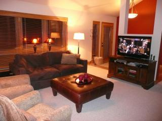 3BR/3BA + Loft - hot tub, wifi & steps to shuttle - Deer Valley vacation rentals