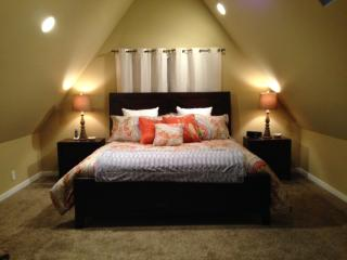 Newly Remodeled-Brand New Furnishings, Hot Tub, Ski Waxing Room, Snowline - Glacier vacation rentals