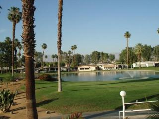 Palm Desert golf / tennis two bedroom two bath home - Palm Desert vacation rentals