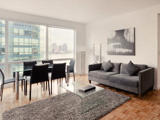 Amazing 3 Bedroom apartment 1 stop from Downtown Manhattan - Jersey City vacation rentals