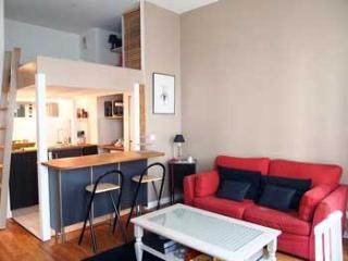 PTBT - Chic living in central Paris - sleeps 2. - London vacation rentals