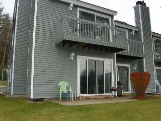 White Mountain Vacation Rental Condo near several NH ski areas (CUC51M) - Thornton vacation rentals