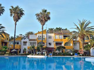 Holiday apartment rental just 50 metres from Roquetas de Mar beach - Roquetas de Mar vacation rentals
