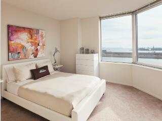Amazing 2 Bdrm Apartment 1 Stop from Manhattan - Jersey City vacation rentals