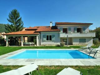 Beautiful villa Eva Luna - TOP PRICE 90,00 EURO - Buzet vacation rentals