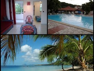 Your Condo in tourist residence with pool on the Roads of beaches at Sainte Anne in Martinique - Sainte-Anne vacation rentals
