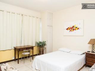 RioBeachRentals - Studio with Ocean View 10th Floor - Ipanema vacation rentals