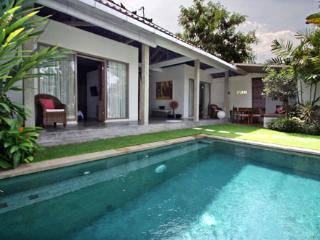 2 bedrooms Charming villa SeminyaK - Seminyak vacation rentals