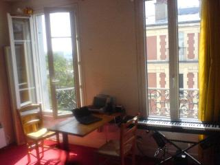 STUDIO (1) VIEWS OF PARIS per day/month - 20th Arrondissement Ménilmontant vacation rentals