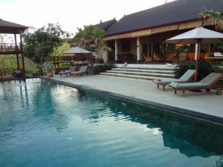 Leave the routine and enjoy the gods Island tranquility - Nusa Dua vacation rentals
