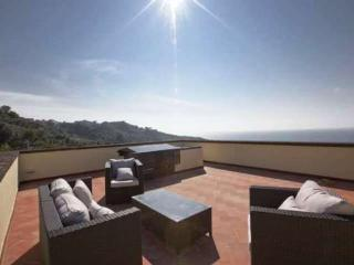 Gorgeous newly restored villa with pool, sea view - Sorrento vacation rentals