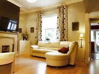 Central London Kensington Earlscourt -  Luxury Apt - London vacation rentals