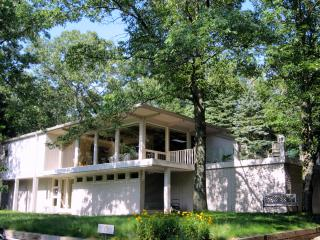 The Dunes House in Beverly Shores at Lake Michigan - Beverly Shores vacation rentals
